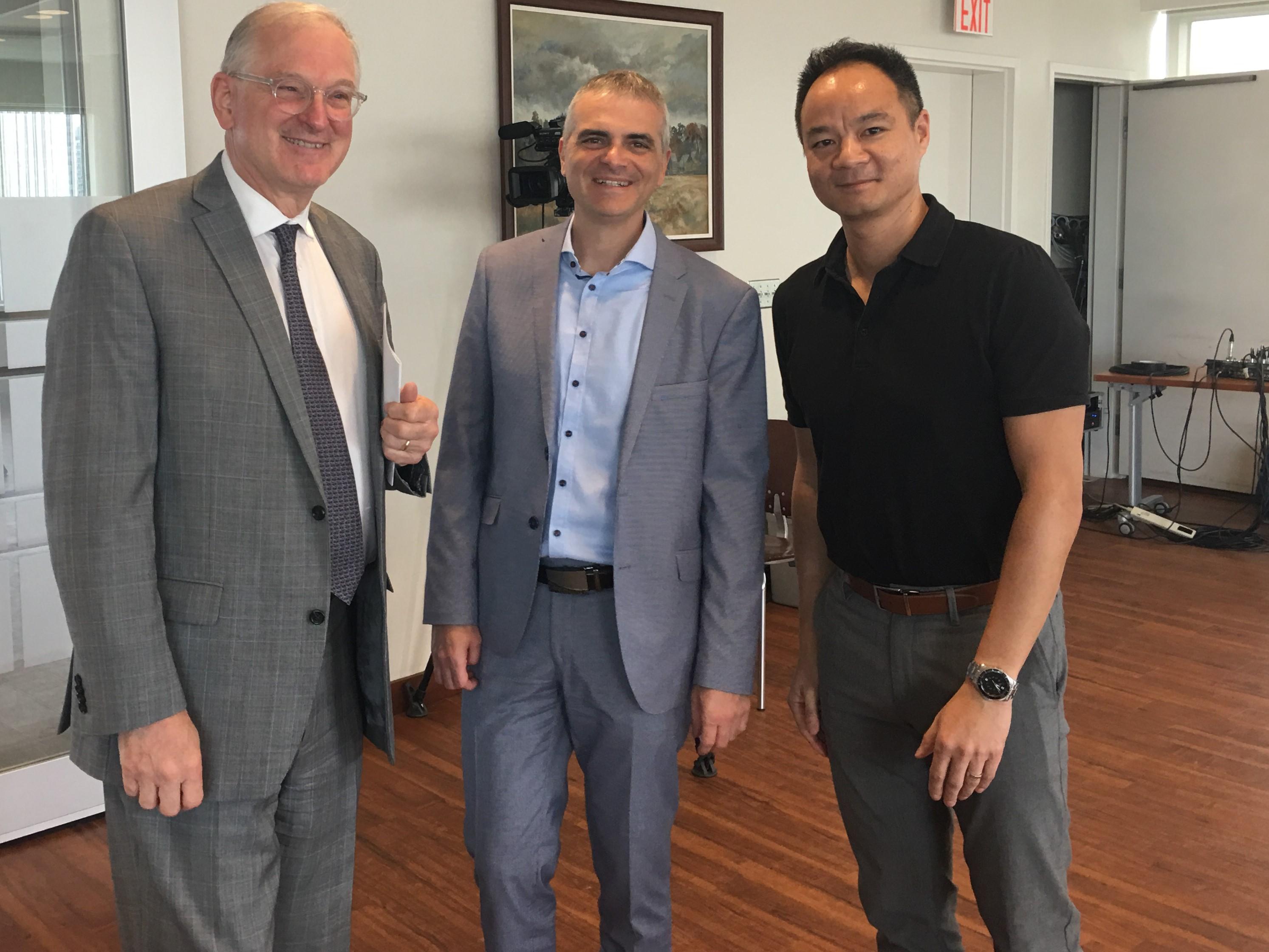 Martin Bernier, Jacques Frémont, Huang LeHong