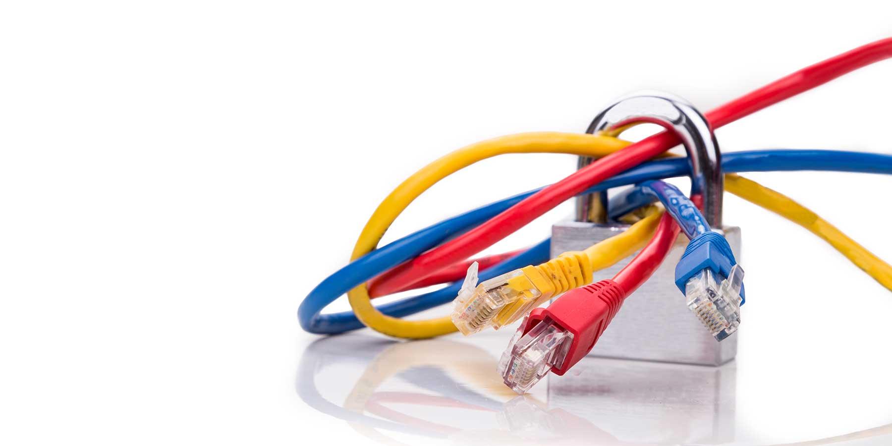 Concept de sécurité réseau avec cadenas sur plusieurs réseaux