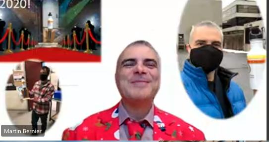 Martin Bernier dans un costume coloré capturé sur Zoom