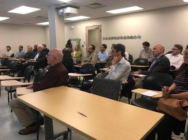 Professionnels TI de l'Université d'Ottawa à une séance de Lynda.com au sujet de l'utilisation des données pour augmenter les compétences